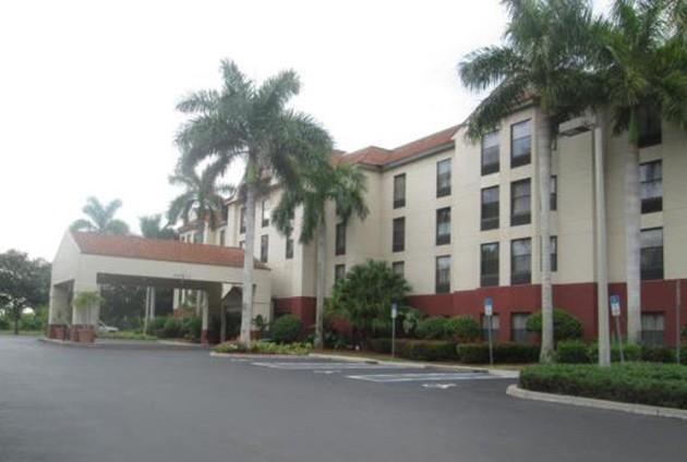 Hampton Inn, Suites Fort Myers Beach sells for $9.43 million
